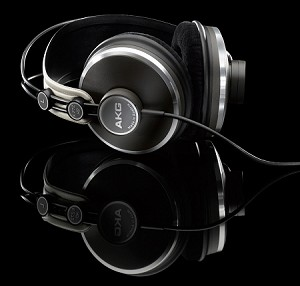 AKG K272HD High Definition Headphones (Table-top view)