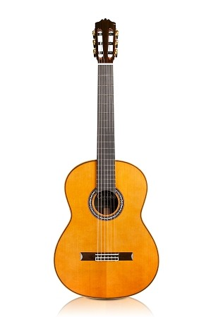 CORDOBA C12 Solid Cedar Top (Front view )
