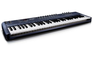 M-AUDIO Oxygen 61 61-Key USB MIDI Controller with Ignite Software (Front Angle view)