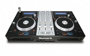 NUMARK Mixdeck Express (Front Angle view)
