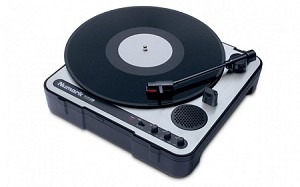 Numark PT-01USB Portable Vinyl-Archiving Turntable (Front Angle view)